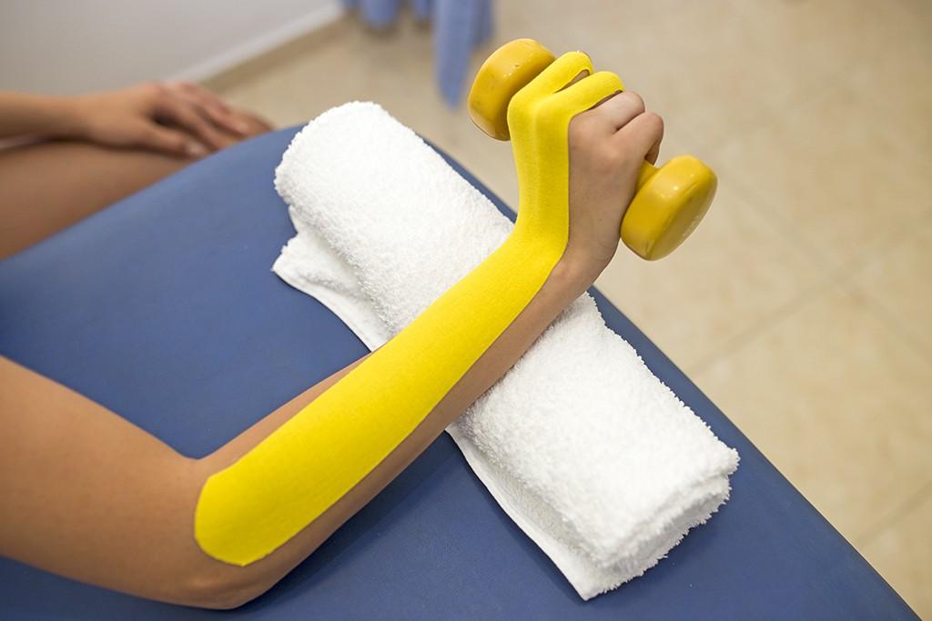 Θεραπευτική άσκηση σε έξω  επικονδυλίτιδα