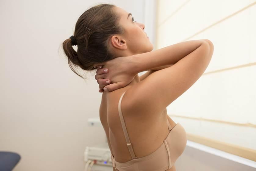 Άσκηση αυτοθεραπείας σε αυχενικό σύνδρομο